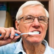 13 preocupaciones sobre el cuidado dental en personas mayores