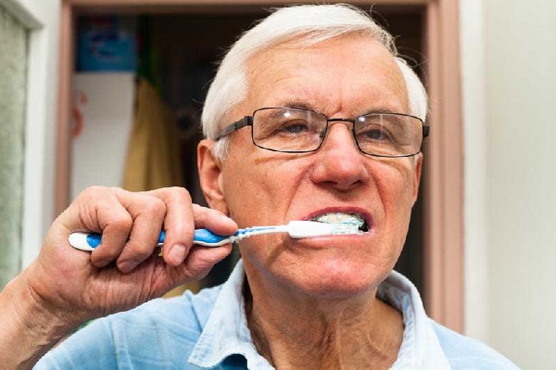 Cuidado dental en mayores