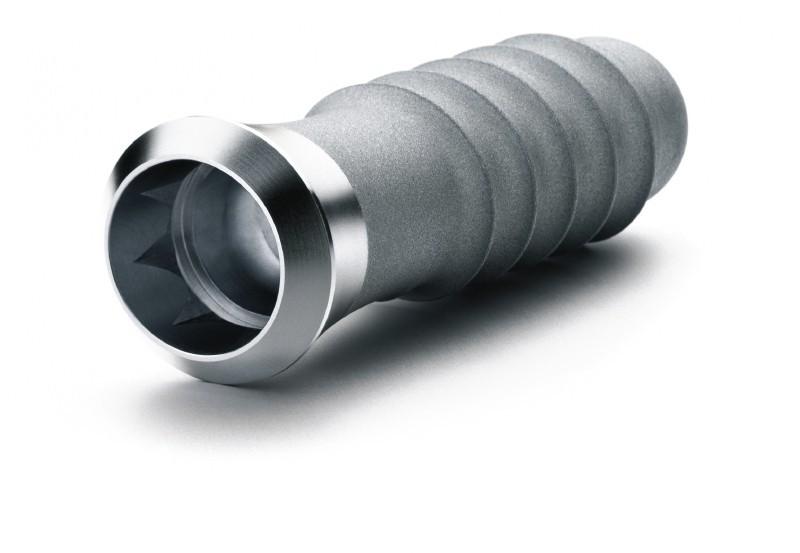 Implante dental ampliado